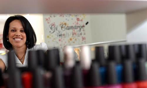 Conheça a manicure das famosas