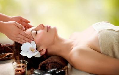 Técnica de massagem Do-in – pressão exercida com os dedos sobre os pontos de acupuntura