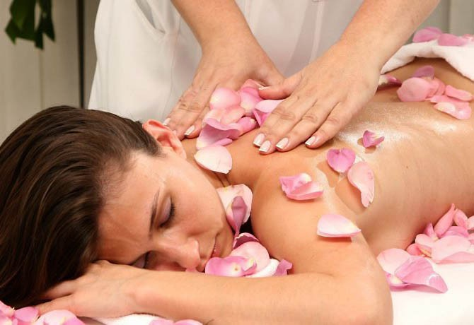 massagem-com-flores