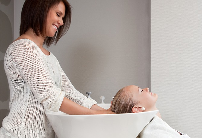Cuidados-com-a-saúde-do-cliente-no-Lavador-de-Cabelos